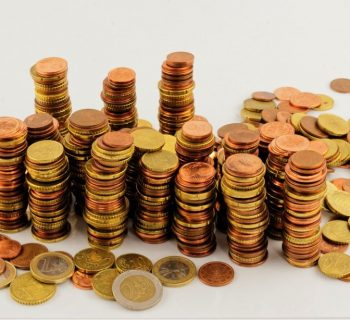 por que no debes guardar tu dinero bajo el colchón